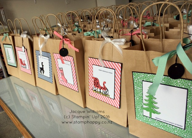 stampin-up-christmas-gift-bag-hang-your-stocking-santas-sleigh