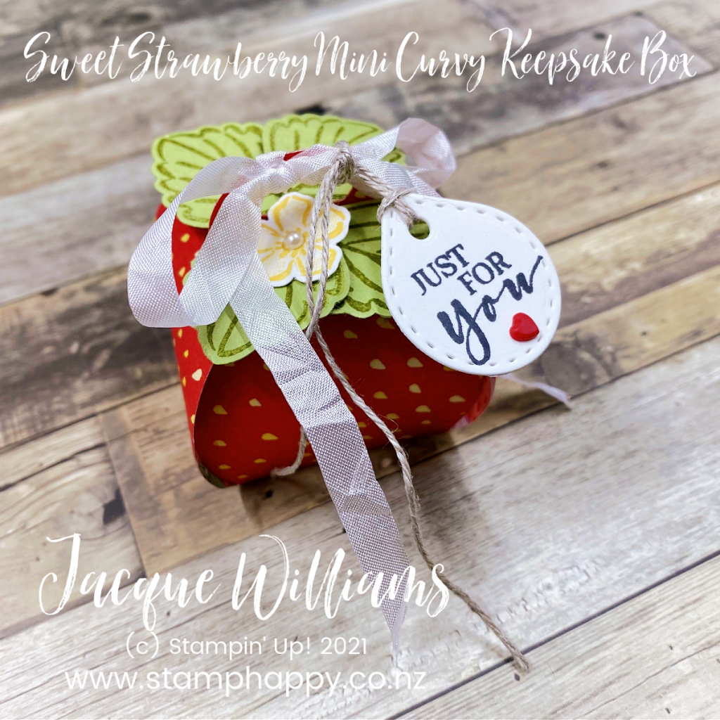 Create an adorable strawberry box with the Mini Curvy Keepsakes Box and the Sweet Strawberry Punch.  Perfect for wedding or baby shower favors and table decor.  Stamping classes New Zealand