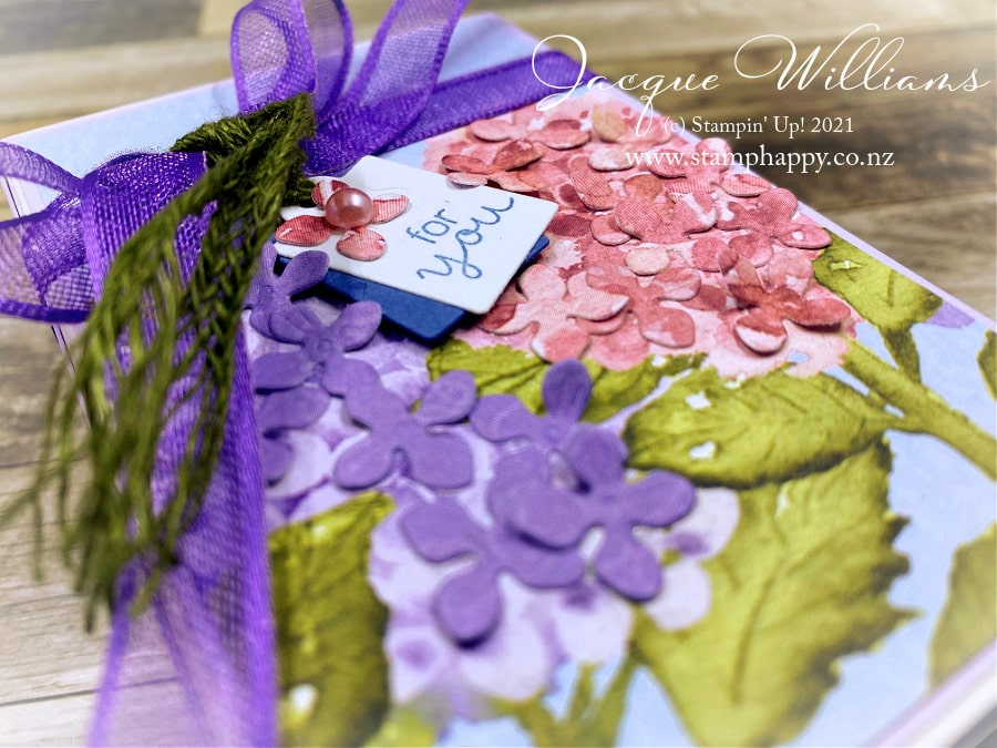 Make beautiful packaging quickly and easily with the Treat Boxes and the Hydrangea Hill papers!  Perfect for a gift you want to make special.  Join me for crafting and stamping classes in New Zealand!  Kits available in the mail.